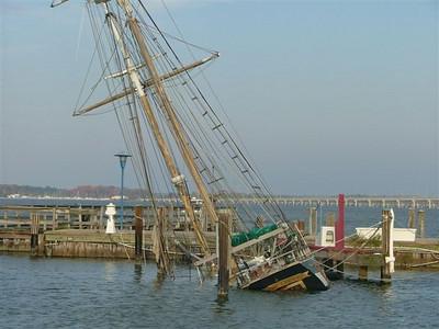 Sinking ship, Cambridge, Md.